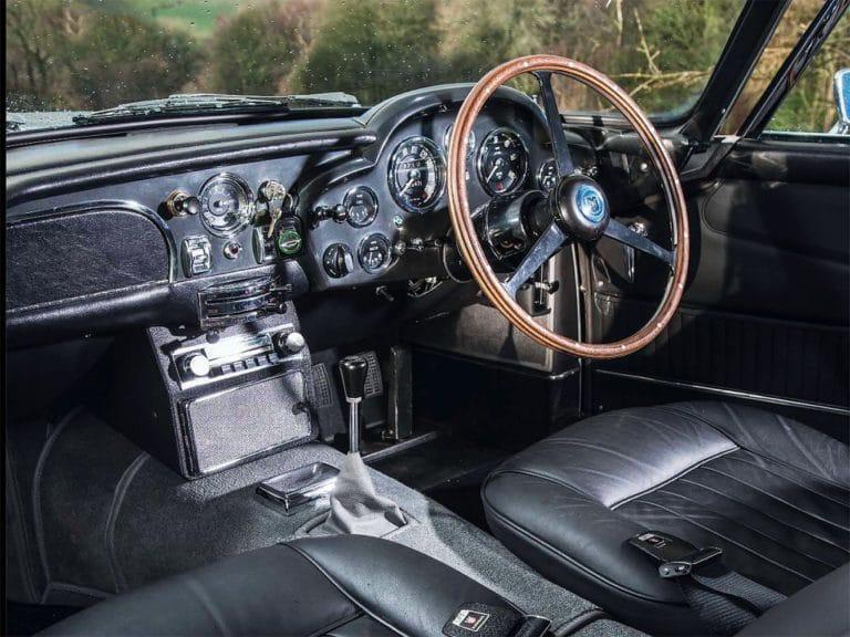 Aston-Martin-DB5-test-drive-01